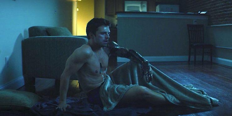Sebastian Stan como Bucky Barnes em Falcao e o soldado invernal
